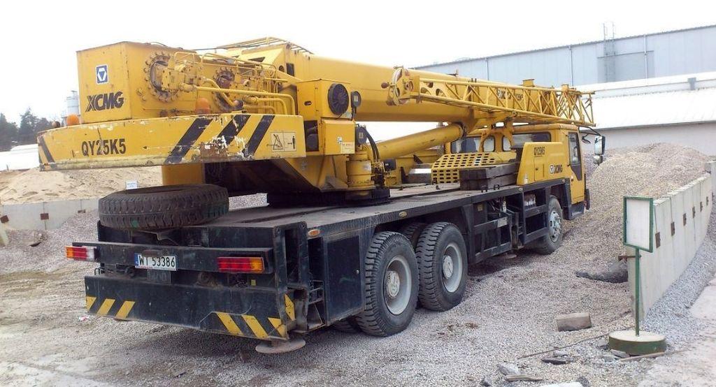 LIEBHERR - HS852 Crawler crane / Raupenkran